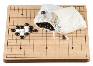 Go-Spel 36 cm. MDF bord/stenen flats glas